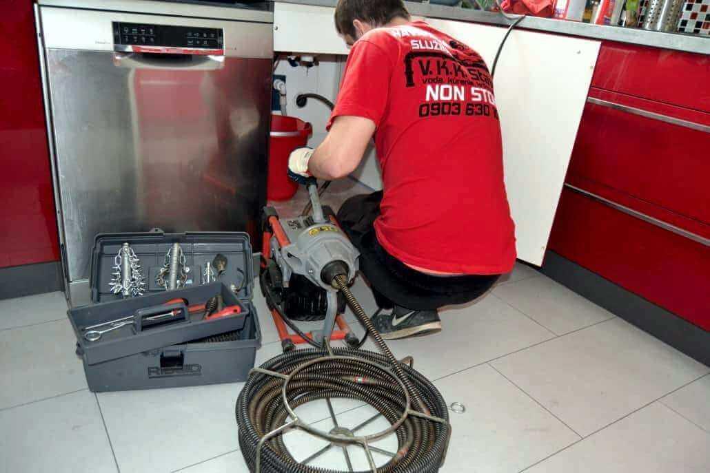 Krtkovanie - elektromechanické prepchávanie odpadov špirálou